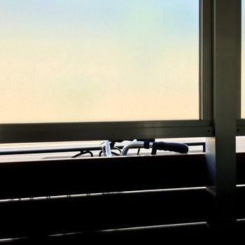 やわらかい外からの光。※写真は1階の同間取り別部屋のものです。