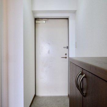 玄関スペースしっかりあります。