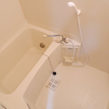 お風呂は程よいサイズです。