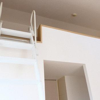 階段ちょっと急です。