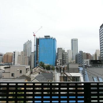 バルコニーからの眺望。※写真は5階の別間取り別部屋です