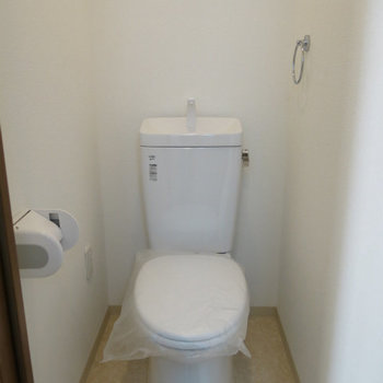 ノーマルなトイレ ※写真は別部屋