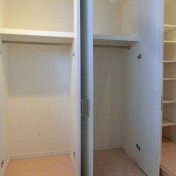 【下階】収納は大きめです。※写真は反転間取り別部屋のものです
