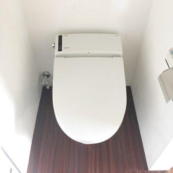 おトイレもきれい〜。