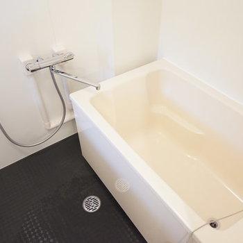 【イメージ】お風呂はリニューアルで清潔感のある空間へ。