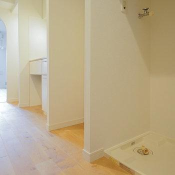 洗濯パンはキッチン右手に※写真は前回募集時のものです