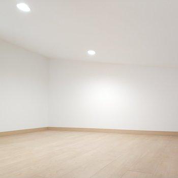 二階も素敵空間ですね◯