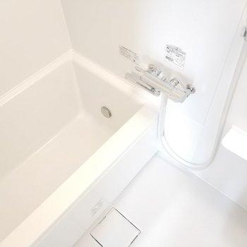 浴槽はスタンダードタイプ