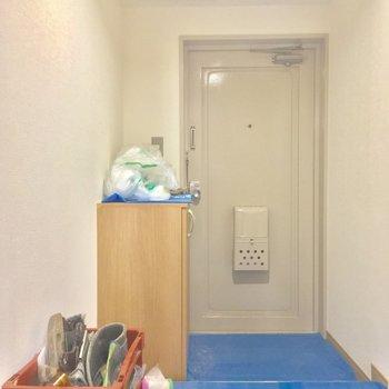 玄関は結構ゆとりがありますね!シューズボックスもありますよん※工事中の写真です