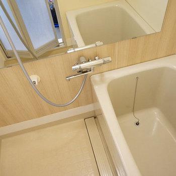 お風呂は既存のものを活用してよいものを! ※写真はイメージ
