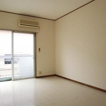 開放感!!※写真は2階の同じ間取りの別部屋のものです。