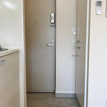 玄関はタイル仕様※写真は前回募集時のものです