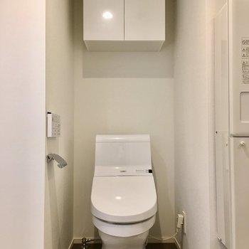 トイレもピカピカウォシュレット。