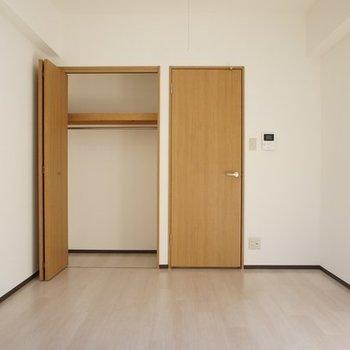 開けるとこんな感じ※写真は3階の同じ間取りの別部屋です