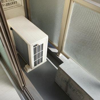 バルコニーは...狭かったー!!※写真は3階の同じ間取りの別部屋です
