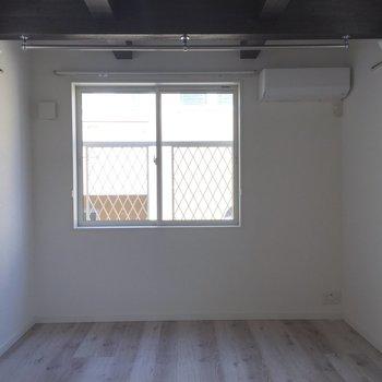 【2F】こちらが2階部分のスペースです。※写真は1階の同間取り別部屋のものです