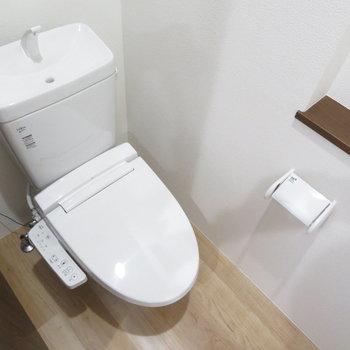 温水便座付きのトイレです!