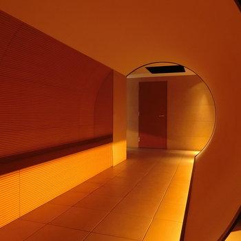 トンネルの先のガーデン