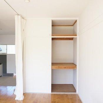 押入れ収納は古さを残して。※写真は1階の反転間取り別部屋です。
