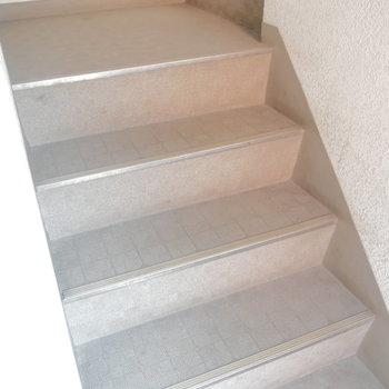 3階まで階段です!