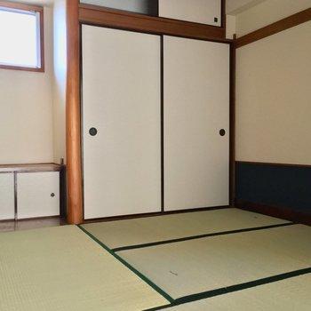 そしてとっておきの和室!!※クリーニング・電気が付く前の写真です