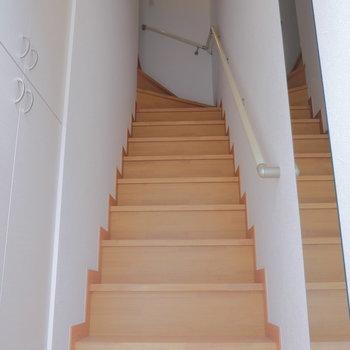 ドン!と階段です。※写真は前回募集時のものです