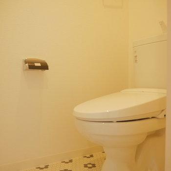 トイレは上階にあります。タイルが可愛い◎※写真は前回募集時のものです