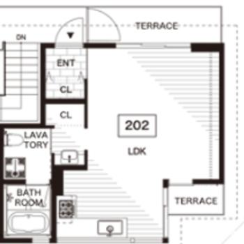 202号室は朝日の差し込む東側のお部屋。
