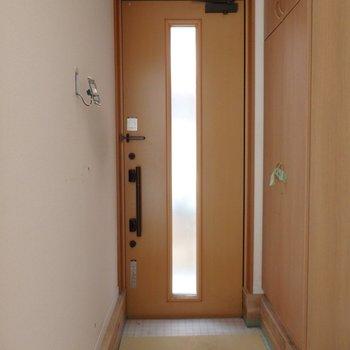 【工事前】玄関、ここはタイルフローリングになります。