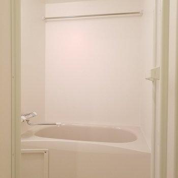 雨の日は浴室乾燥機を使いましょう!※1階の同間取り別部屋の写真です