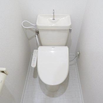 温水便座付きトイレです!
