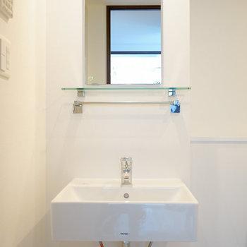 洗面台はシンプルに!※4階の同間取り別部屋の写真です