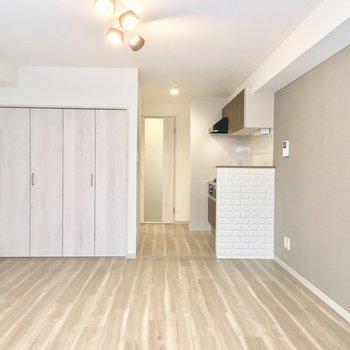 ゆとりのあるお部屋です。※写真は同じ間取りの1階の別部屋になります。