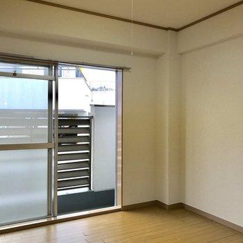 こちらは、【4.5帖洋室】※写真は3階の反転似た間取り別部屋のものです