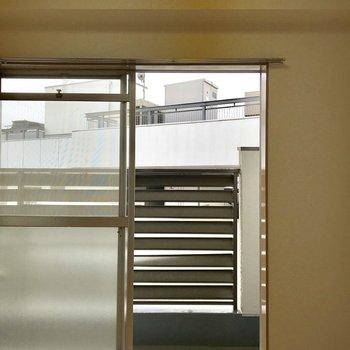 【4.5帖洋室】各洋室からバルコニーに出られます。