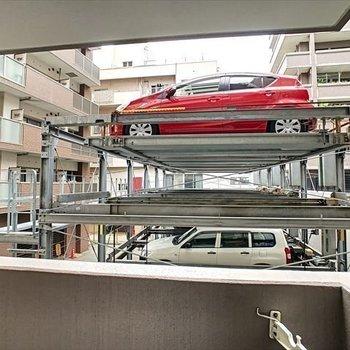 眺望はお隣の駐車場。。。
