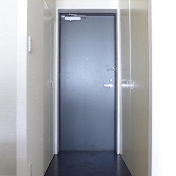 玄関もゆとりありますよ〜(※写真は9階の同間取り別部屋のものです)