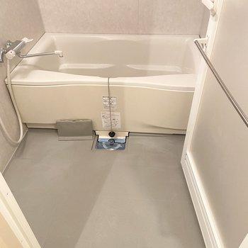 浴槽もとっても広い!