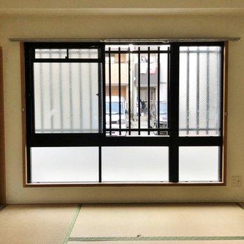 【工事前】寝室の窓はくもりガラス!