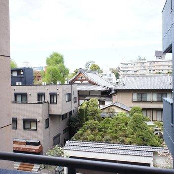 眺望は隙間から見える景色※写真は4階同間取り別部屋です。