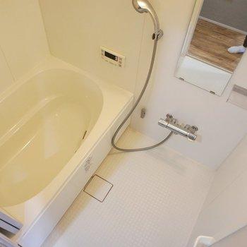 お風呂もきれいでいい感じ※写真は4階同間取り別部屋です。