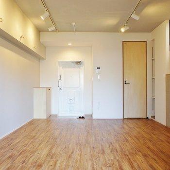 お部屋もいい雰囲気ですね。※写真は4階同間取り別部屋です。