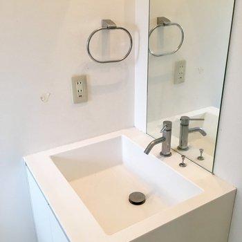 洗面台。形がオシャレ。