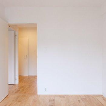 収納はありませんが、子供部屋や書斎にいいサイズ