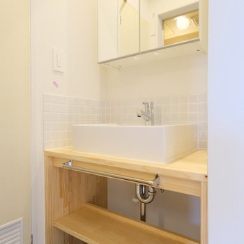 洗面台は木のぬくもりがうれしい!