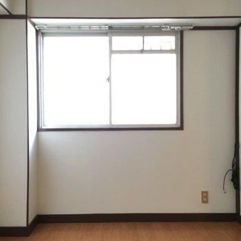 窓もしっかりありますよ。※写真は別室です。