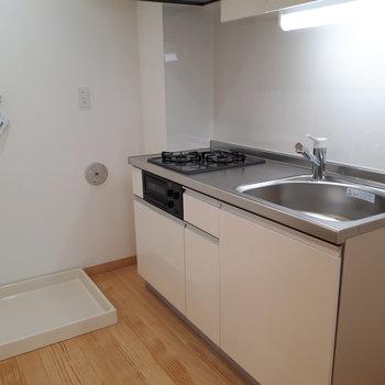 洗濯機はこちらに。キッチン2口も嬉しい!