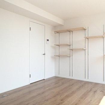 どこにどんな家具置こうか迷っちゃいますね。※写真は反転間取り3階の別部屋のものです。
