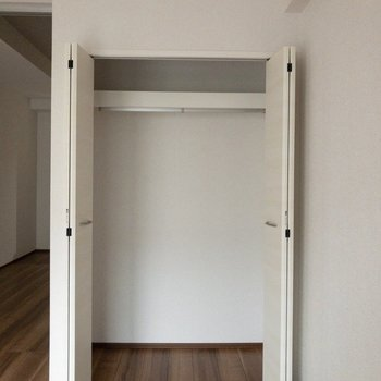 ドアの開閉を考えたインテリアの配置をしましょう。
