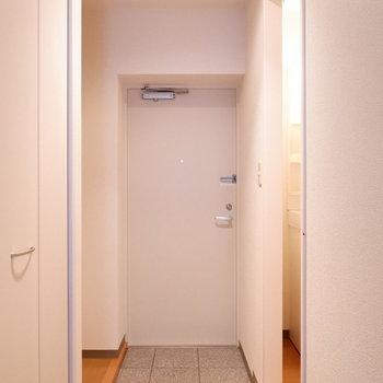 玄関スペース十分ありますね。